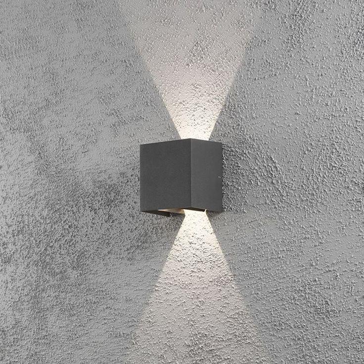 Cremano vägglykta från Konstsmide är en väggarmatur av hög kvalitet för utebruk.