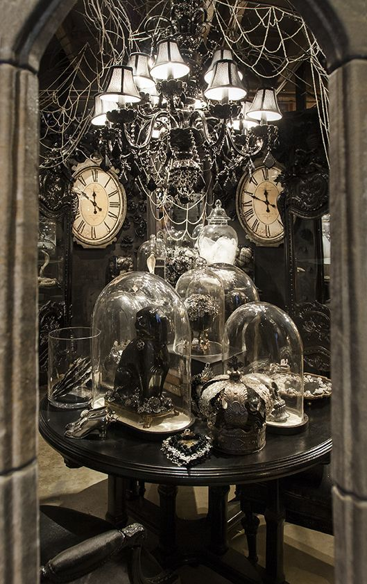 17 Gothic Halloween Decorating Ideas To Inspire You