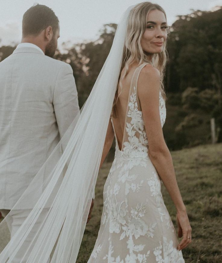 Made With Love Bridal On Instagram Em Dyl Wearing Mwlstevie And Our Chani Veil Joeywillisweddings X Stevie Dress Dresses Bridal