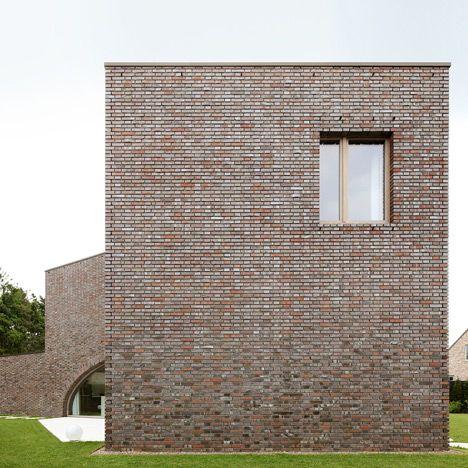 Three pronged villa moerkensheide frames a trio of garden terraces architecture architecture - Modern architectural trio ...