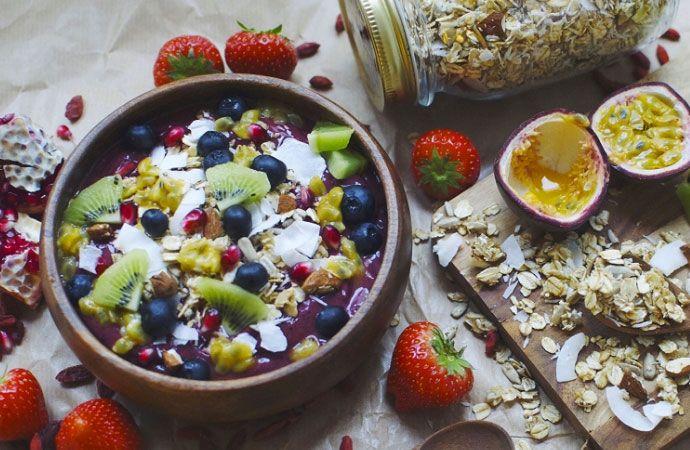 Yummie! Dit heerlijke smoothie ontbijt is super gezond en zorgt ervoor dat je de hele ochtend vol zit.