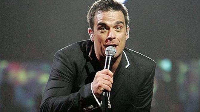 TOP 10: Las mejores canciones románticas de Robbie Williams http://www.lostops.com/musica/top-10-las-mejores-canciones-romanticas-de-robbie-williams-55.html