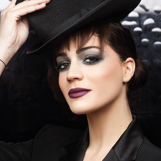 Add a bit of sophisticated drama to your look with dark & silver details.  #seventeencosmetics #makeup #festivelook #makeuplook #theartofbeauty