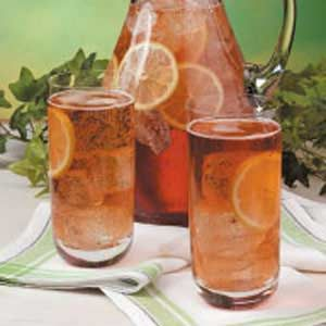 Ginger Ale Iced Tea -- I should try this, considering my recent obsession with Canada Dry.