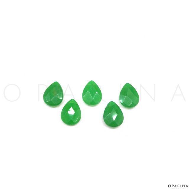 Gotas en Jade 20mm Facetadas . #Oparina #Gemstone #Boho #BohoChic #Gypsy #NaturalStone  #madewithstudio