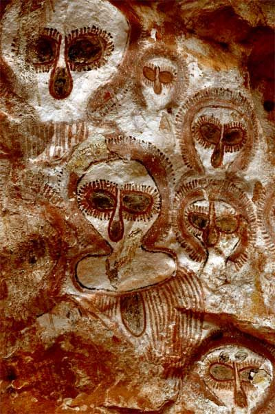 Wandjina spirit paintings Petroglyph. Kimberly, Australia. c. 3000 BC. Juergen Lohrbaecher.
