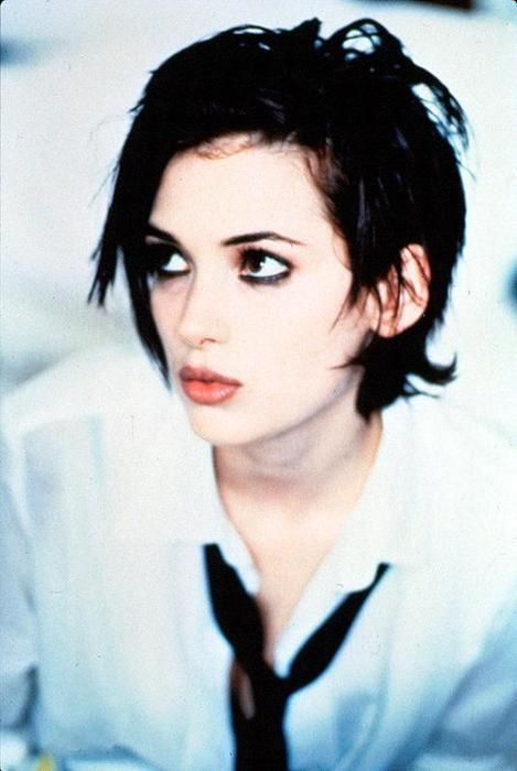 5 Iconic 90s Hairstyles That Need To Make a Comeback - TheGloss