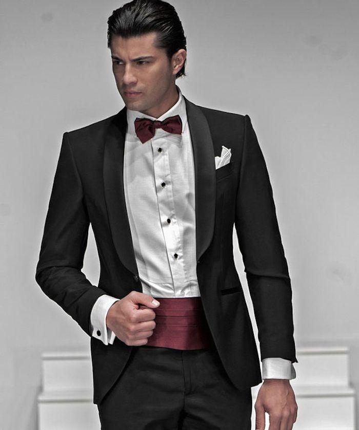 costume cérémonie homme noir avec ceinture large en soir bordeaux, smoking  de mariage élégant 403e362ec5c