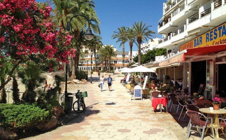 Figueretas Beach | Ibiza spotlight