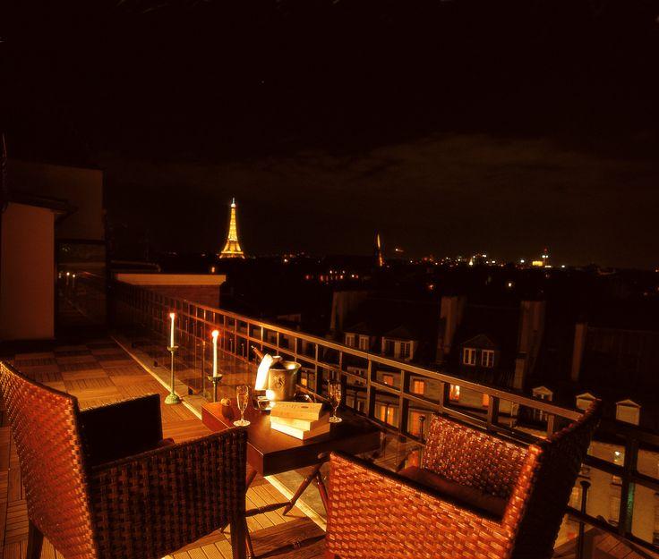 Magnifiquement situé au coeur de Saint-Germain-des-Prés, l'Hôtel Pont Royal vous plonge dans le Paris littéraire et artistique, vous offrant une vue imprenable sur les principaux monuments de la capitale...