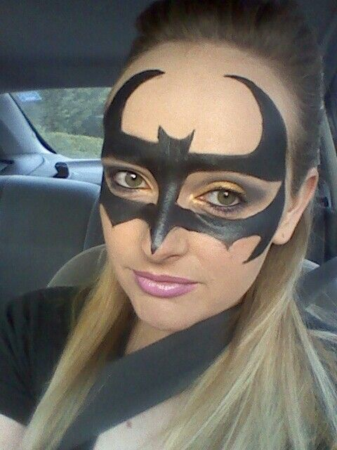 1000+ Ideas About Batman Makeup On Pinterest | Batgirl Makeup Batgirl Costume And Batwoman Costume