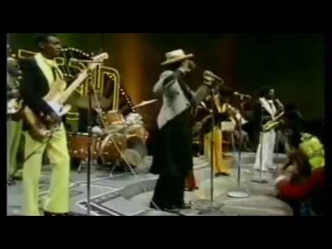 ▶ KOOL & THE GANG-JUNGLE BOOGIE,LIVE IN 1974.mp4 - YouTube