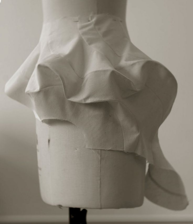Creative Pattern Cutting - skirt design with 3D shape & structure - creative sewing; fabric manipulation; fashion design development // Tiina Burton