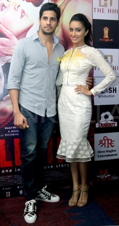 Sidharth and Shraddha make a pretty picture! | PINKVILLA