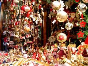 Regali di Natale: libri, panettoni, vino  quant'altro