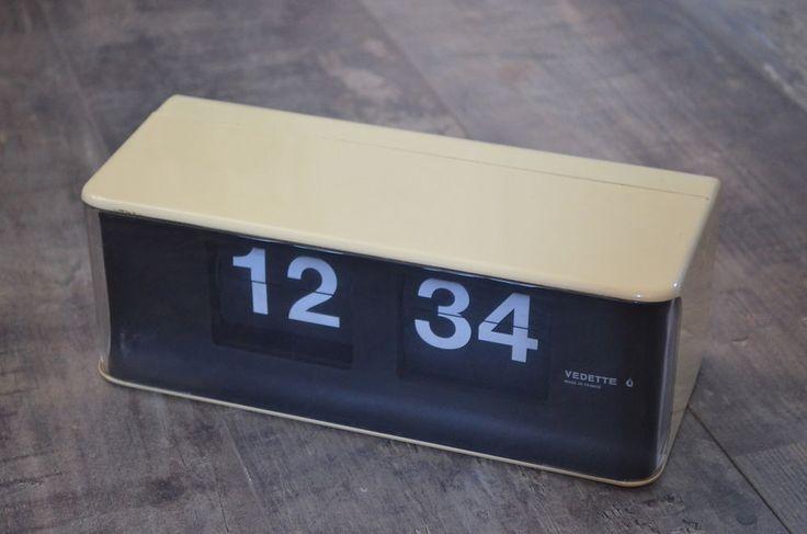 Horloge flip flap à lamelles Vedette vintage desgin seventies loft (gino valle)