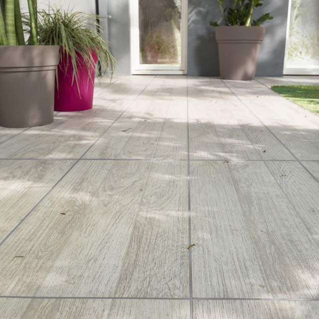 1000 ideas about carrelage terrasse exterieur on pinterest carrelage imita - Carrelage parquet blanc ...