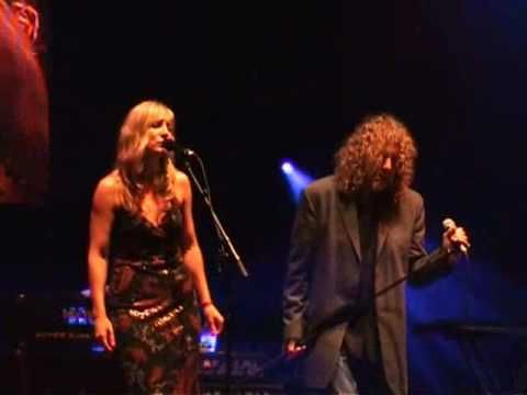 """Fairport Convention, Robert Plant - The Battle Of Evermore Aug 11, 2008    Robert Plant and Kristina Donahue guest with Fairport Convention to perform Led Zeppelin's """"The Battle Of Evermore"""" at Cropredy 2008.  This was played as tribute to Sandy Denny on the 30th Anniversary of her death."""