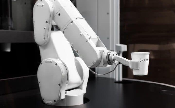 Útjára indult a Robot Kávézó http://legjobbkave.hu/utjara-indult-robot-kavezo/