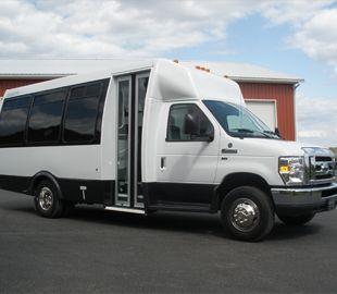 Ford shuttle bus  www.nationalbus.com