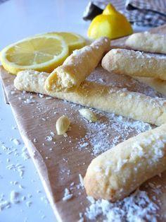 Des petits biscuits sans gluten un peu déjantés ? Ce sont les doigts de fée ! Ces sablés au citron et à la noix de coco s'accorderont parfaitement avec une tasse de thé...