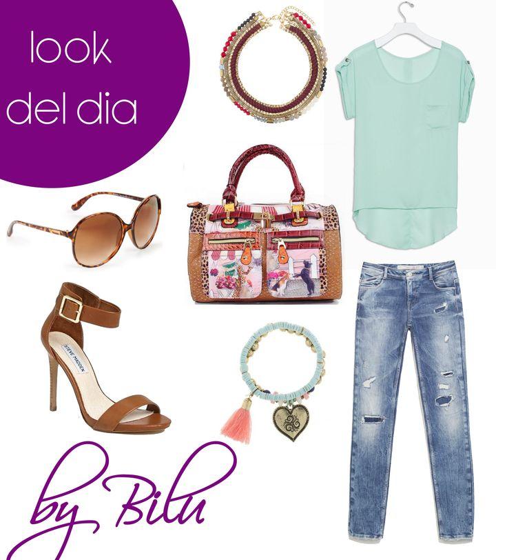 Look del día Chicas.  Para hoy te propongo una camisa verde menta, jeans lavados y roto, sandalias cafés y accesorios de con un toque de color para darle vida al conjunto y para terminar un bolso de mano estampado.  Espero te guste.  By Bilu   #lasmañanasdel5 #modahonduras #moda #fwhonduras #sps #tgu #tegus #televicentro #evahn #unah #uth #unitec #upnfm #tegucigalpa    #roatan #elprogreso #modacostarica #modaelsalvador #modapanama #fashionblogger #modamexico #multiplaza #abriendobrecha…