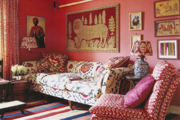 Designer Lulu Lytle's London living room. World of Interiors, July 2011. Cozy corner.