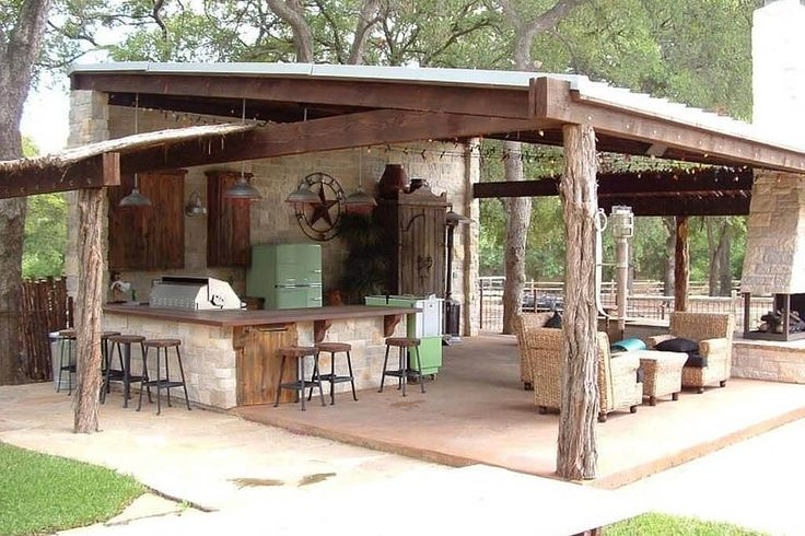 Rustic Patio Kitchen and Bar