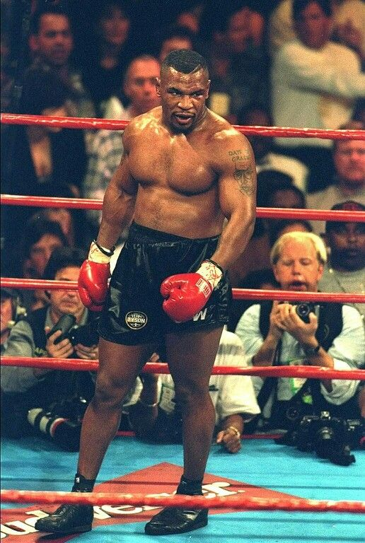 Mike Tyson https://www.facebook.com/Classicsportsphotos-340734696058372/timeline/