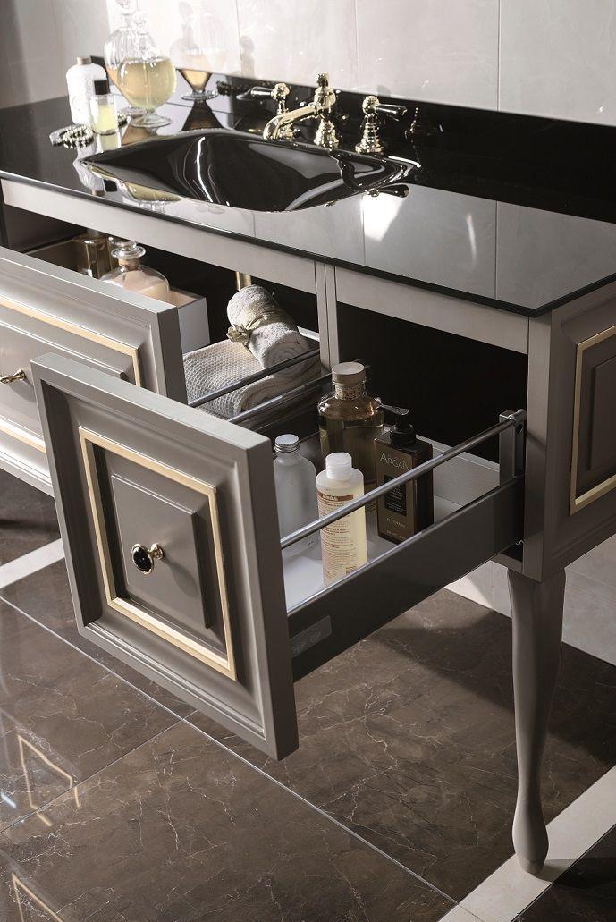 Dettaglio Primopiano #GaiaMobili #gaia #bathroom #bagno #bathroomideas #bath #madeinitaly #italian #bathroompics #architect #interior #interiordesign #designer #furniture #wood #laccato #ral #lacquered #arredamento #showroom #mirror #luxurybathroom #classic #classicbathroom #arredobagno #mobiledabagno #italianstyle #luxurybathroom #style #leaf #gold #crystal