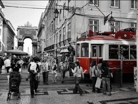 Mamy nadzieję, że poniedziałek mija Wam przyjemnie. Jeśli macie wolną chwilę, to przenieście się na na kilka minut na lizbońskie ulice, uliczki, place i placyki:)