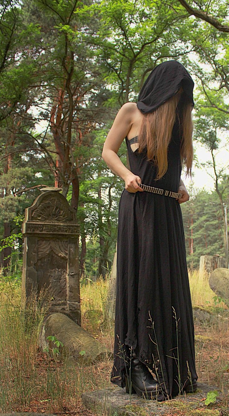 --> STRICTLY LIMITED TO A SINGLE PIECE!!! <--Ripped long dress with a huge hood. Made of soft ORGANIC cotton. Fully handcrafted. One of a kind; as unique as you!!!SIZE: S/M Bust...