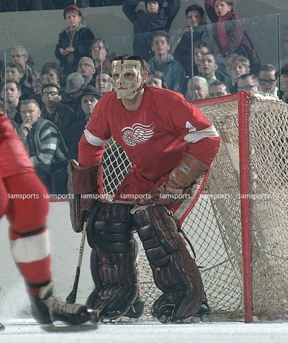 TERRY SAWCHUK DETROIT RED WINGS PRIMITIVE FACE MASK 8x10 PHOTO