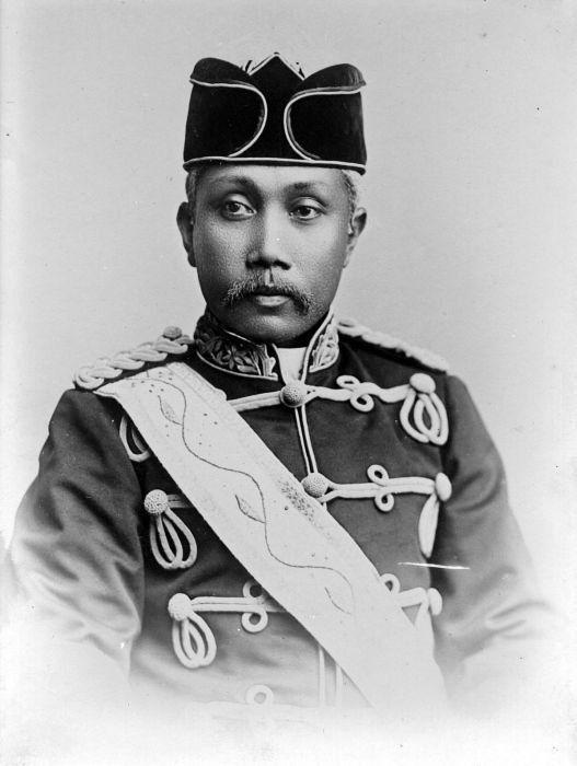 1898: Studio portrait of 'Ma'amun Al Rashid Perkasa Alam Shah', 'Sultan of Deli'