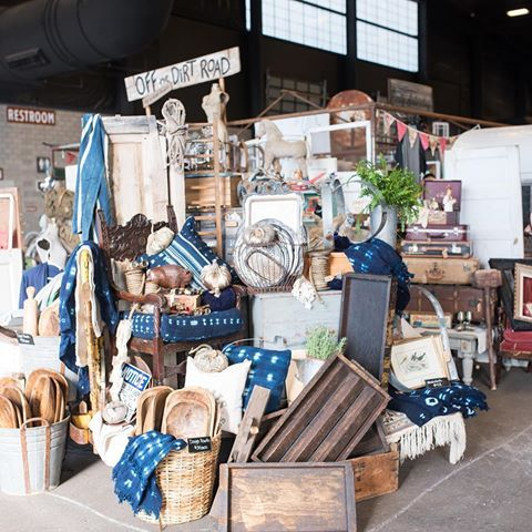*Contest ended* It's FRIDAY night and we are just a couple weeks away from our Scottsdale market so we are celebrating with a G I V E A W A Y!! Tag a friend that you want to join you for a weekend of junkin' on September 15th - 17th at WestWorld in Scottsdale! Enter as many times as you want, the winner will be chosen tonight at midnight so get tagging for a pair of Early Entry Tickets! #partylikeajunker #junkinthetrunkvintagemarket PC @marisabellephotography of @offthedirtroad's booth.