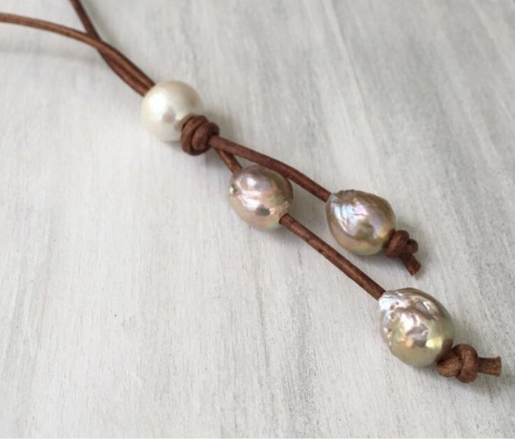 Leather and pearl necklace #etsy #handmade #jewelry #etsyseller #giftforher #leatherpearl #necklace #pearls #leatherandpearls #pearlnecklace