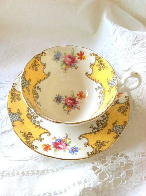 Aynsley Elegant Yellow Floral Bouquet Tea Cup and Saucer/Cottage Style - Ca. 1940's