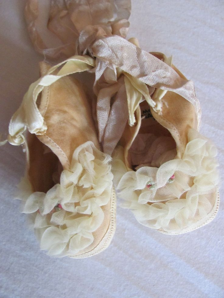 Have you ever seen such precious little shoes...these were from Lisa~Tarnished and Tattered...I love them Lisa~Thank you!