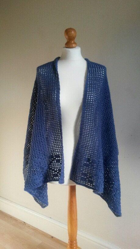 Filet Crochet Shawl PDF Pattern 'Romani' by MrsUMakes on Etsy, £3.50  @MrsUMakes #mymrsumakes