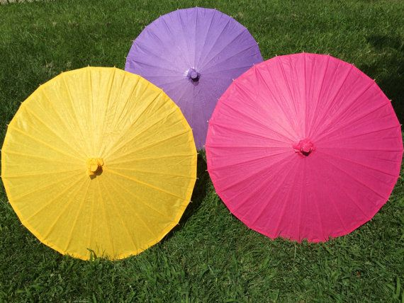 Plain Paper Parasols for Wedding Pictures by WeddingParasols
