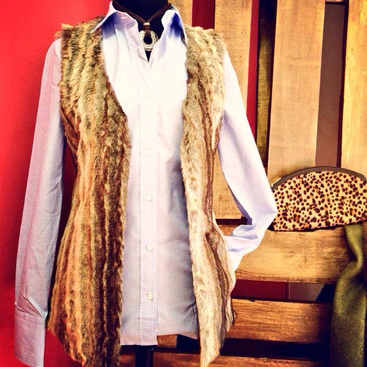 Ya en nuestra tienda online y en vuestras armerías #chaleco pelo entra en www.pasionmorena.com #campo #caza #hípica #hunt #hunter #hunting #pasiónmorena