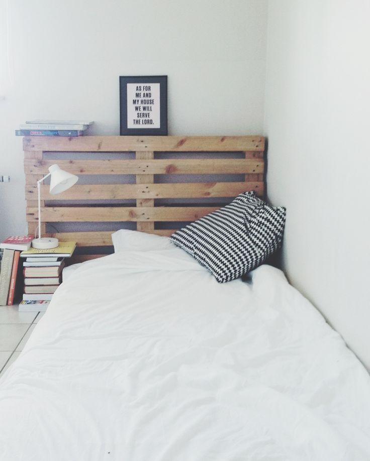 floor bed pallet headboard wishful living pinterest