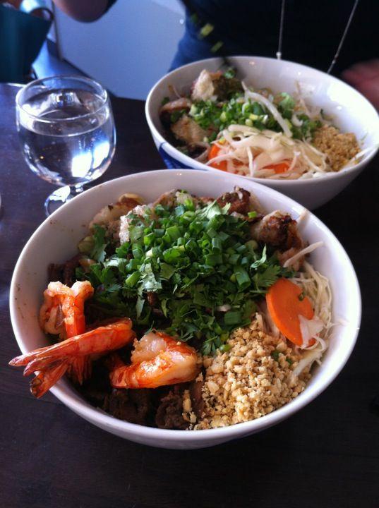 Le Petit Vietnam Restaurant