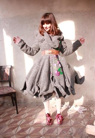 The multifunctional Polly Coat is here! Twist and shape!