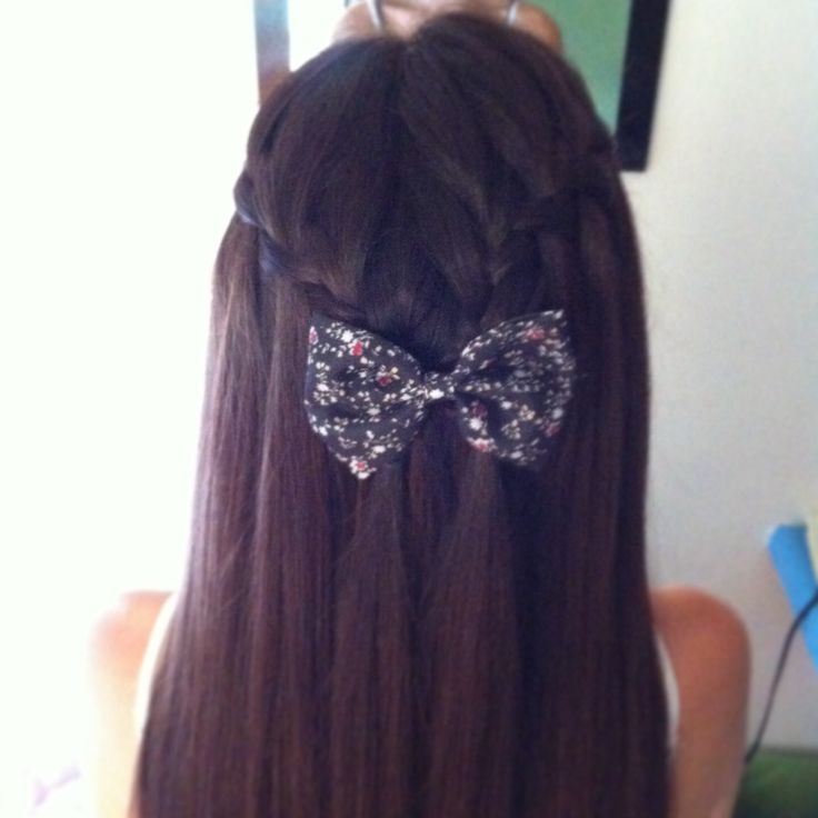 Waterfall braid & bow!
