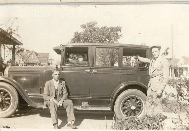 Orville, Charlie, Everett, and car