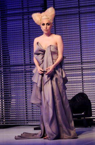 Lady Gaga Hair Bow #YarisLadyGaga