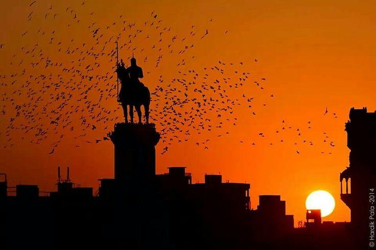 Jamnagar skyline picture perfect..love this pic. By Hardik Pala from jamnagar Gujrat india.