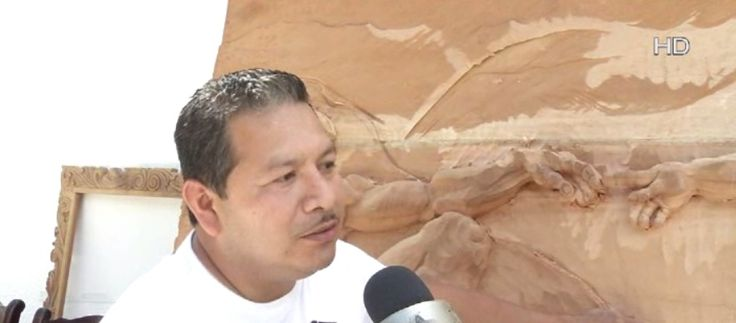 Telediario- Joaquín Hernández, es un artista el realiza sus obras en madera, trabaja en la plaza principal del municipio de García.Nuevo Leon