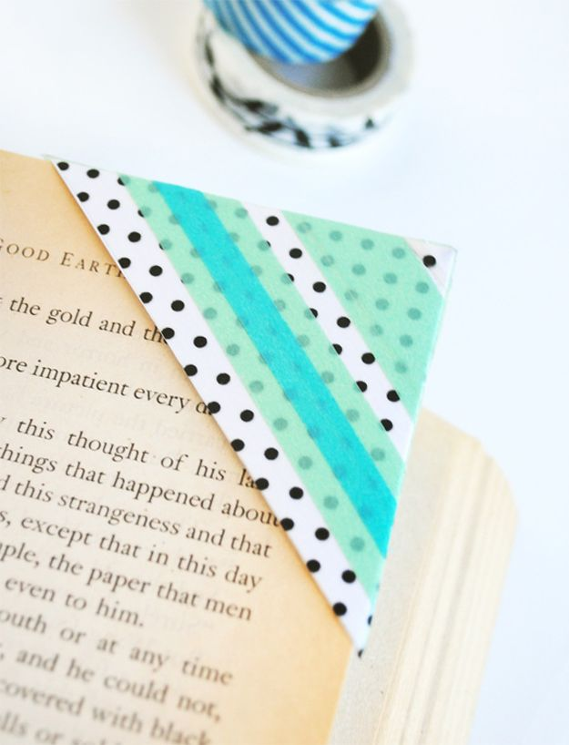 DIY Washi Tape Crafts and Ideas | Washi Tape Bookmarks by DIY Ready at http://diyready.com/100-creative-ways-to-use-washi-tape/